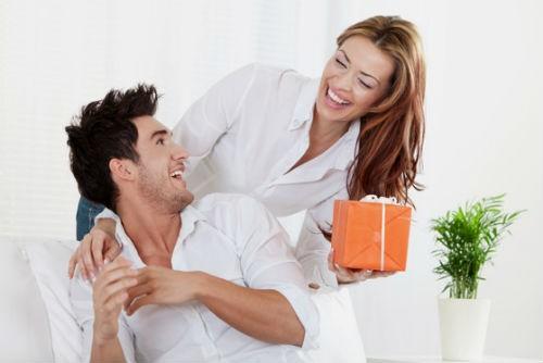 Как поздравить мужа с годовщиной?