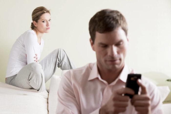 Как быстро рассорить мужа с любовницей?